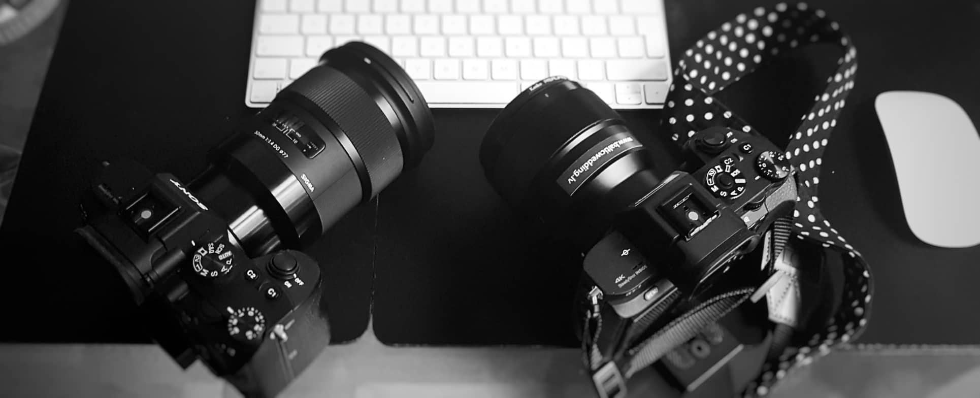 divi fotoaparāti divi operatori